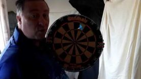 Darts Coaching Wtih Dynamite Dave. Subscibers question sighting the dart